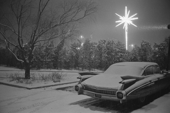 MeyerowitzA-car-is-parked-in-snowy--009